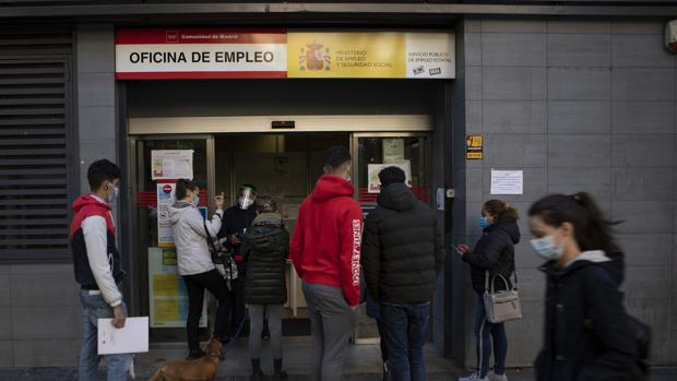 El número de personas ocupadas en España cae en un 3,5%